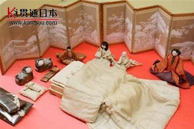 日本正在展示皇家生日玩偶(图)