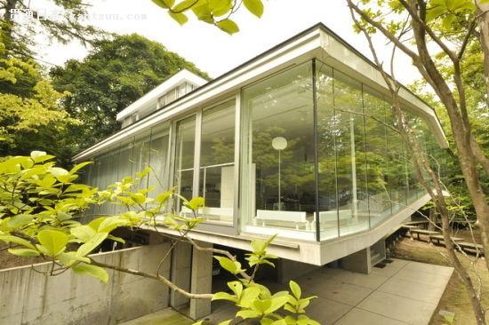 豪宅赏析:被森林环绕的日本轻井泽度假别墅