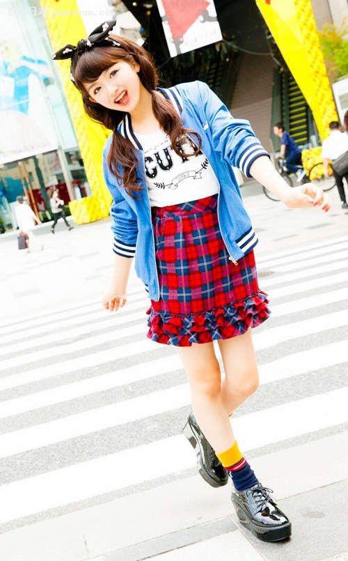 日本初中女生校服图片:初中女生性感内衣图片_日本13岁小学内衣女生大全_日本13岁小学内衣女生汇总