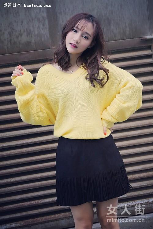 少女冬季衣服搭配-秋冬女生穿衣示范 百搭毛衣穿不腻