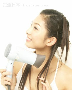 正确洗发方法 洗前需按摩头皮