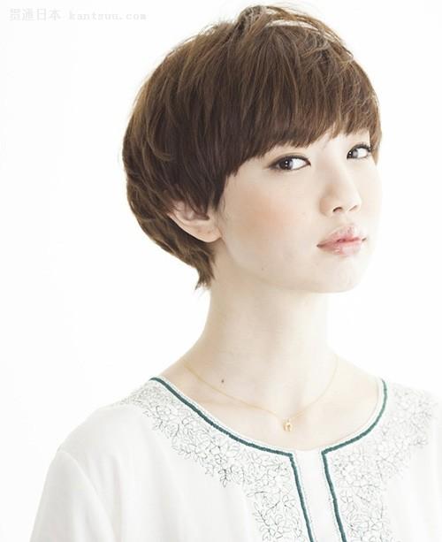 """跟日本萌妹学""""BOB蘑菇头""""女人味十足"""