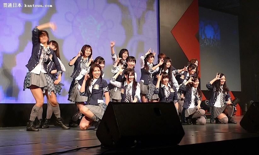 AKB48在2010年新加坡动漫节上亮相。/Wikipedia